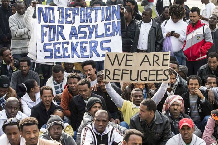 Israel begins distributing deportation notices to African migrants