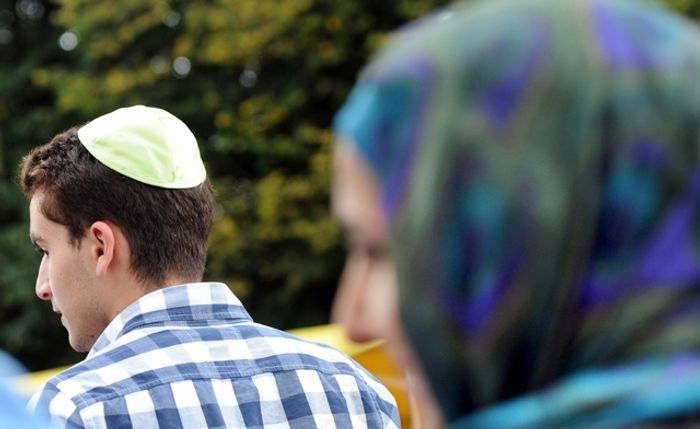 berlin jewish single women Police have arrested a teen suspect in an anti-semitic attack against two men who were wearing traditional jewish skullcaps while walking through an upmarket area of central berlin.