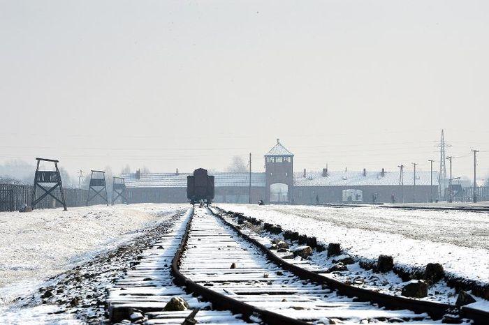 Netanyahu Says Expects Polish Holocaust Bill to Be Amended