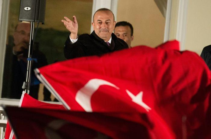 Netherlands bars Turkish minister's plane