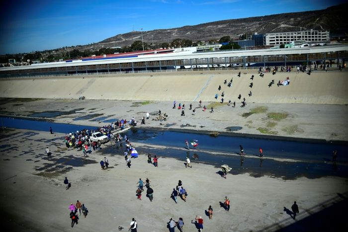 Mexico will hold US-bound refugees while claims processed