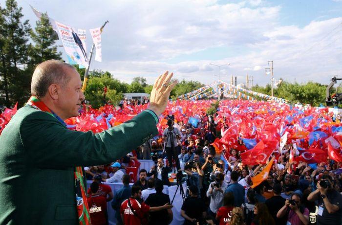 Kayhan OZER (PRESIDENTIAL PALACE/AFP)