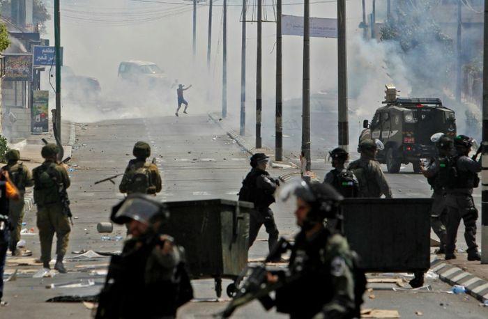 Israël riposte à une attaque de roquettes depuis la bande de Gaza