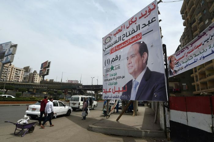 Two policemen killed by bomb targeting Egyptian security chief
