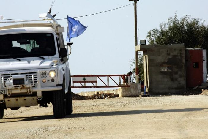 Lebanon military vows to block Israeli wall on Lebanese land