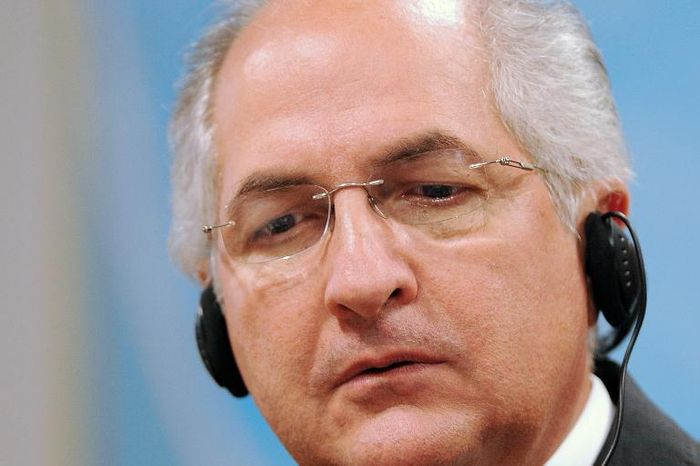 Venezuela seizes opposition leaders Lopez, Ledezma from homes