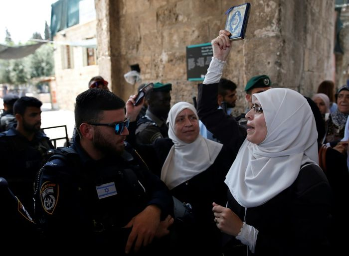 Clashes erupt in Jerusalem amid tension over metal detectors at holy site