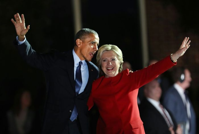 Une bombe retrouvée au domicile des Clinton et d'Obama