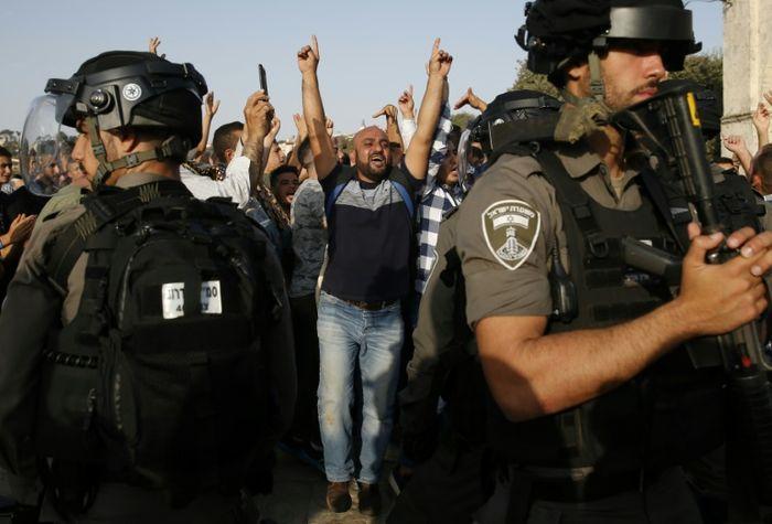 Jew Detector: Jordan's King Thanks Trump For Helping Restore