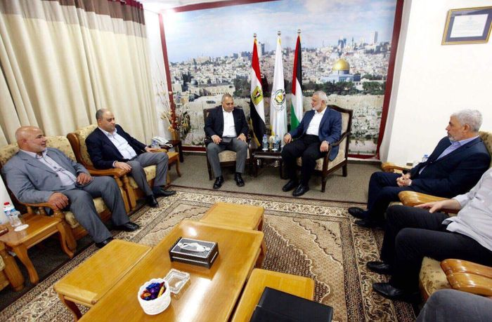 Egyptian officials in Gaza ahead of Palestinian unity talks
