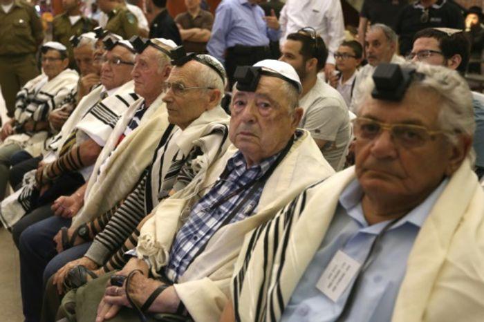 MENAHEM KAHANA/ AFP