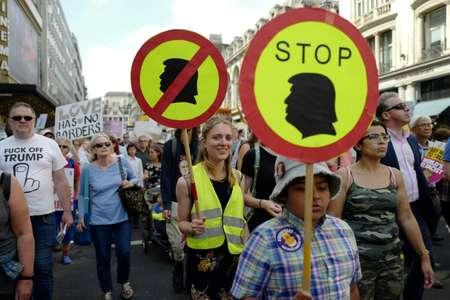 Manifestants à Londres le 13 juillet 2018 contre la visite au Royaume-Uni du président américain Donald Trump. ( Tolga AKMEN (AFP) )