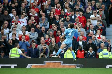 Joe Allen, milieu de terrain de Stoke City, après avoir marqué le but de l'égalisation face à Manchester United à Old Trafford, le 2 octobre 2016 ( Scott Heppell (AFP) )