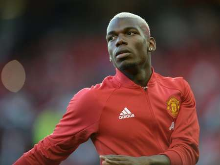 Manchester United set a new world record with the 89 million pound purchase this month of French midfielder Paul Pogba ( Oli Scarff (AFP/File) )