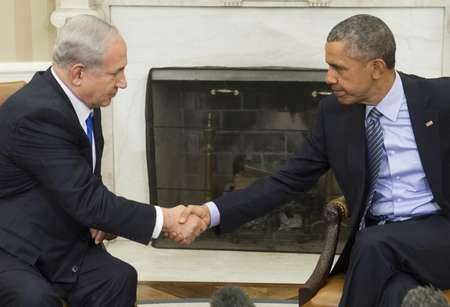 US President Barack Obama (R) and Israeli Prime Minister Benjamin Netanyahu are known to have frosty relations ( Saul Loeb (AFP/File) )