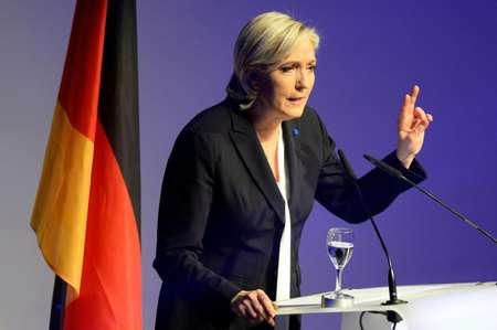 مارين لوبين مرشحة اليمن الفرنسي لانتخابات الرئاسة