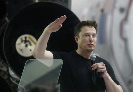 Tesla CEO Elon Musk gave 'false and misleading' statements, according to the SEC, which has charge him with fraud and is seeking to bar him from serving as an official of a publicly-traded company ( MARIO TAMA (GETTY/AFP) )
