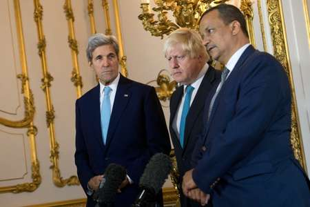 L-R: US Secretary of State John Kerry, British Foreign Secretary Boris Johnson and UN Special Envoy for Yemen Ismail Ould Cheikh Ahmed make a joint statement at Lancaster House in London on October 16, 2016 ( Justin Tallis (Pool/AFP) )
