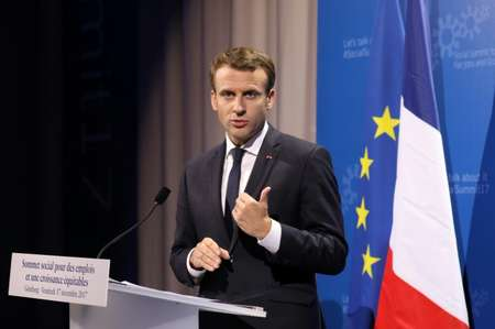 الرئيس الفرنسي ايمانويل ماكرون في غوتبورغ في 17 تشرين الثاني/نوفمبر 2017 ( لودوفيك ماران (ا ف ب) )