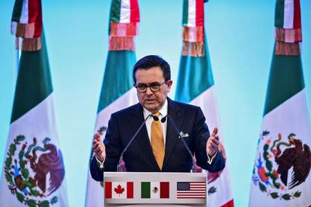 Mexican Economy Minister Idelfonso Guajardo vowed to fight back against protectionis US trade measures ( Ronaldo SCHEMIDT (AFP/File) )