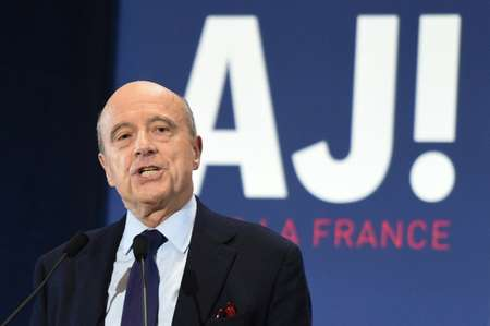 Alain Juppe has capitalised on the deep unpopularity of fellow candidate Nicolas Sarkozy in the race to become the right-wing presidential candidate ( Denis Charlet               (AFP/File) )