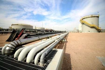 تسجل اسعار النفط في آسيا ارتفاعا الاثنين بسبب التصريحات السعودية والروسية المطمئنة التي تتوقع عودة التوازن الى السوق قريبا ( حيدر محمد علي (اف ب/ارشيف) )