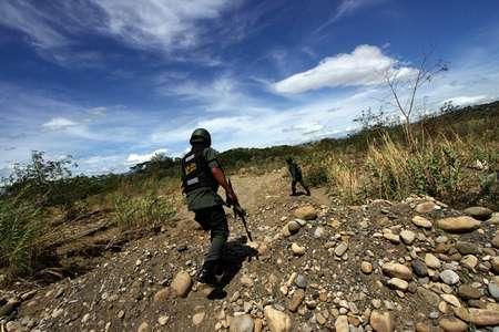 Le Venezuela ferme une partie de sa frontière avec la Colombie après une attaque ( George Castellano (AFP/Archives) )