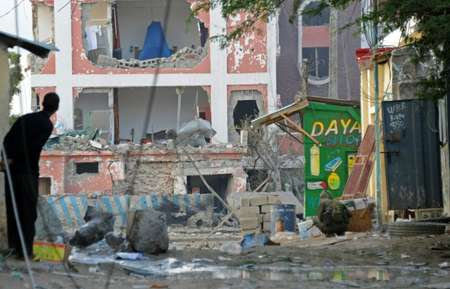 Damage to the Sahafi hotel in Mogadishu after an explosion on November 1, 2015 ( Mohamed Abdiwahab (AFP) )