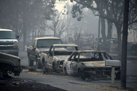 Cars destroyed by wildfires in Santa Rosa, California ( Robyn Beck (AFP) )