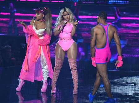 Ariana Grande and Nicki Minaj performed on a stage transformed into a gym ( Jewel Samad (AFP) )