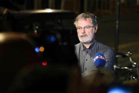 Le porte-parole du parquet belge, Eric Van Der Sypt devant la gare centrale de Bruxelles, le 20 juin 2017 après une explosion
