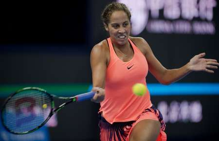 Madison Keys of the United States in action against the Czech Republic's Petra Kvitova during their China Open quarter-final in Beijing on October 7, 2016 ( Nicolas Asfouri (AFP) )