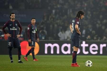 المهاجم الاوروغوياني ادينسون كافاني (يمين) خلال مواجهة فريقه باريس سان جرمان الفرنسي وريال مدريد الاسباني في دوري ابطال اوروبا في كرة القدم في 6 اذار/مارس 2018 في باريس ( بيار-فيليب ماركو (ا ف ب) )