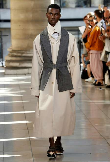 Designer Hed Mayner says his fashion isn't sold yet in his native Israel, but rather in shops in Europe, the United States and Japan ( FRANCOIS GUILLOT (AFP) )