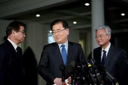 مستشار الرئيس الكوري الجنوبي للامن القومي شونغ اوي يونغ (وسط) في واشنطن في 08 آذار/مارس 2018  ( ماندل نغان (اف ب/ارشيف) )