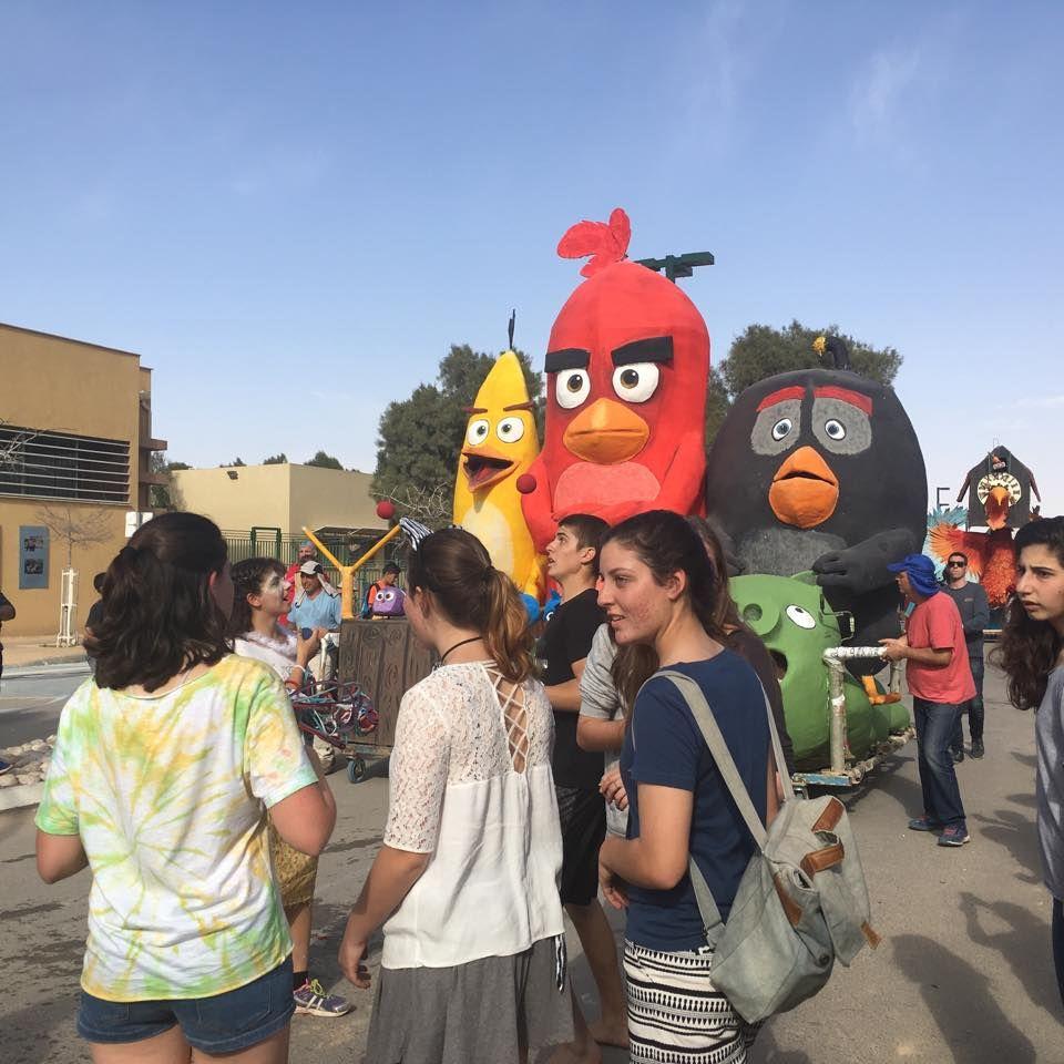 Purim parade in Israeli Negev highlights festivities and environmental awareness