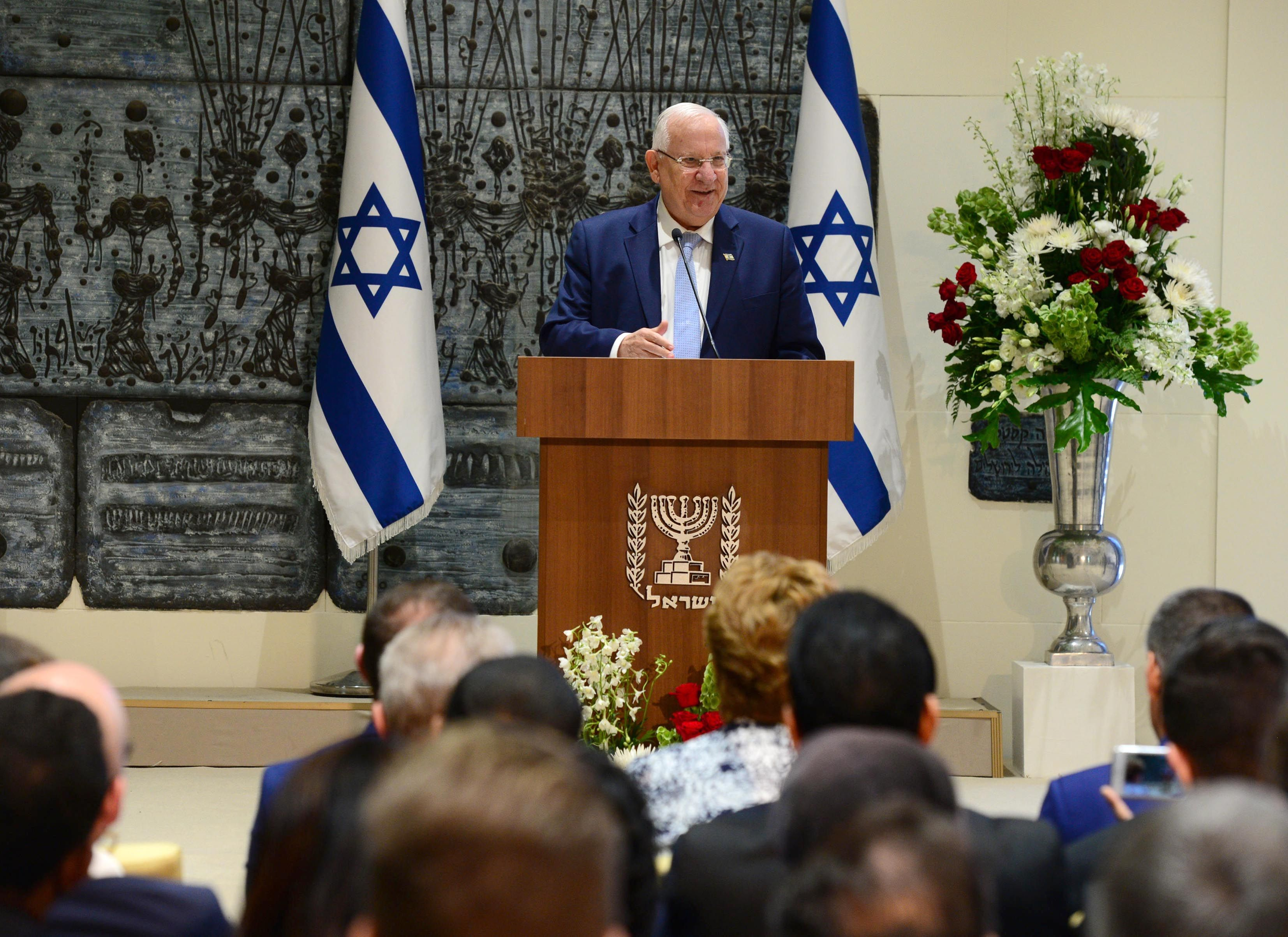 Israeli president to US Jews: Nazi flags in American streets 'almost beyond beli