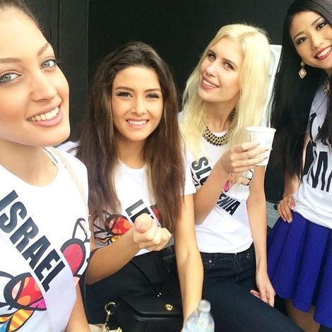 The selfie the caused offense, featuring Miss Lebanon Saly Greige Miss Israel Doron Matalon, Miss Slovenia Julija Bizjak and Miss China Du Yang