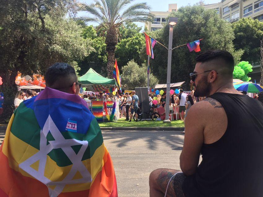 rencontre tel gay families à La Courneuve