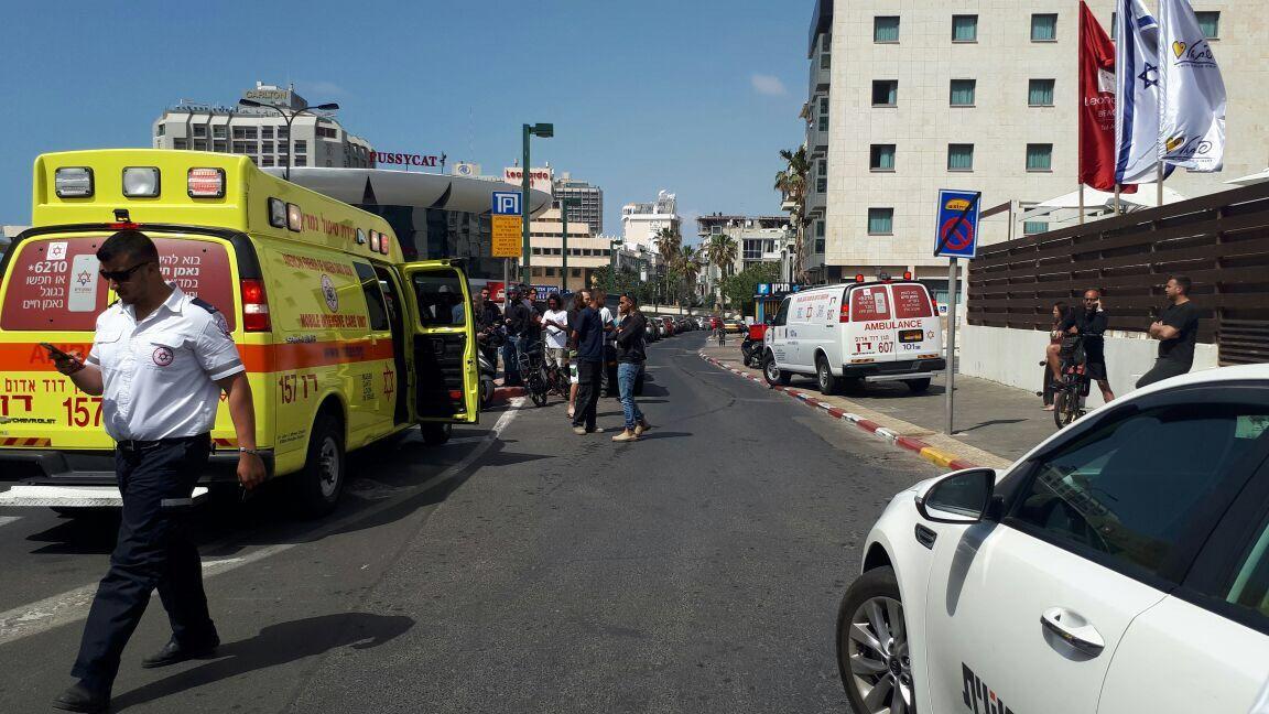 Terror attack near Tel Aviv beachfront wounds four