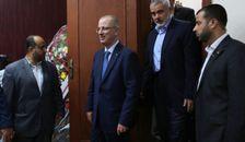 Le chef du Hamas à Gaza Ismaïl Haniyeh accueille le Premier ministre de l'Autorité palestinienne Rami Hamdallah