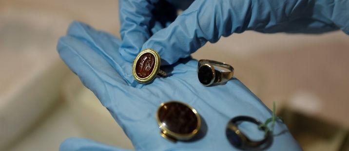 Un anneau bimillénaire découvert près de Jérusalem pourrait mentionner Ponce Pilate 1be40129a72960fabc14303d0876db9ec5d0bb8a