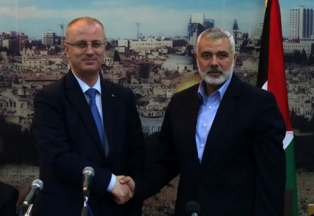 Hamas agrees to hand over Gaza to Abbas government