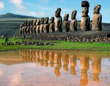 Easter Islanders trying to reclaim iconic statue from UK museum with replica