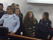 L'activiste palestinienne Ahed Tamimi maintenue en détention jusqu'à son procès