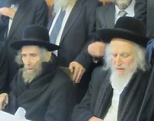 Tens of thousands attend Jerusalem funeral of hardline ultra-Orthodox rabbi