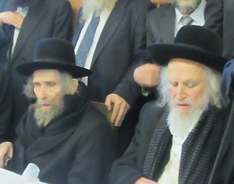 Tens of thousands attend Jerusalem funeral of hardline ultra-Orthodox rabbi