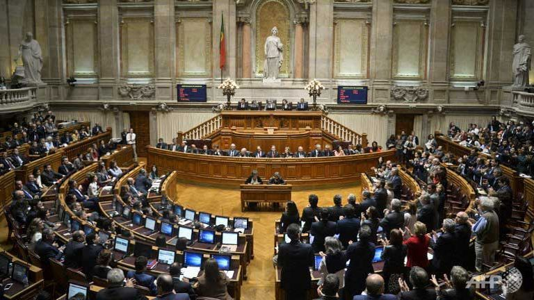 I24news Left Wing Opposition Topples Portugal Government