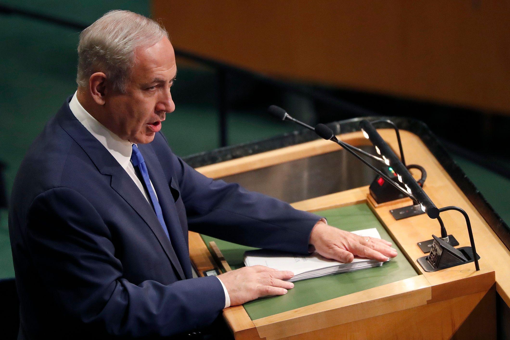 Trump says giving Mideast peace 'an absolute go'