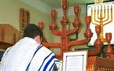 Illustrative: An Iranian Jew prays in a synagogue in Shiraz, Iran.